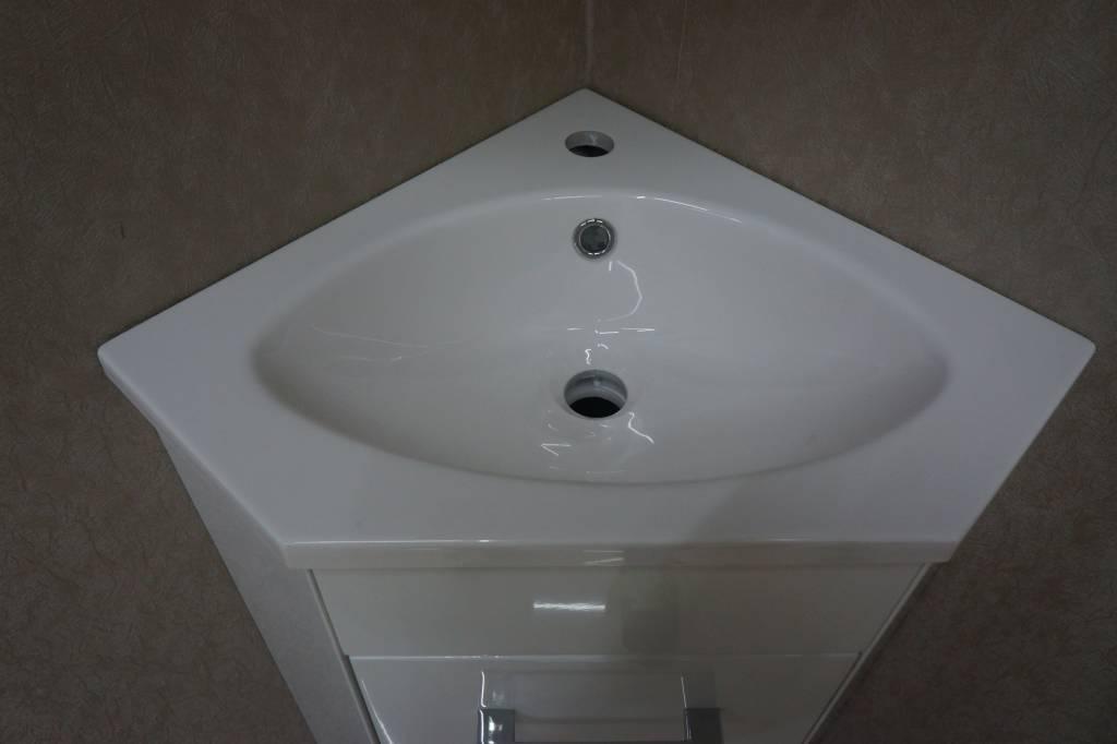 Wiesbaden Lena hoek-fonteinkast + wast. en spiegelk. 500x850x250 wit