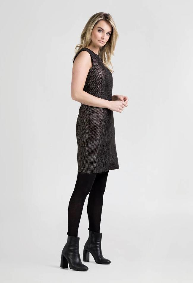 ZINGA Leather ETUIKLEID AUS GEPRÄGTEM LEDER IN GRÜN-METALLIC | ALLEGRA 3820