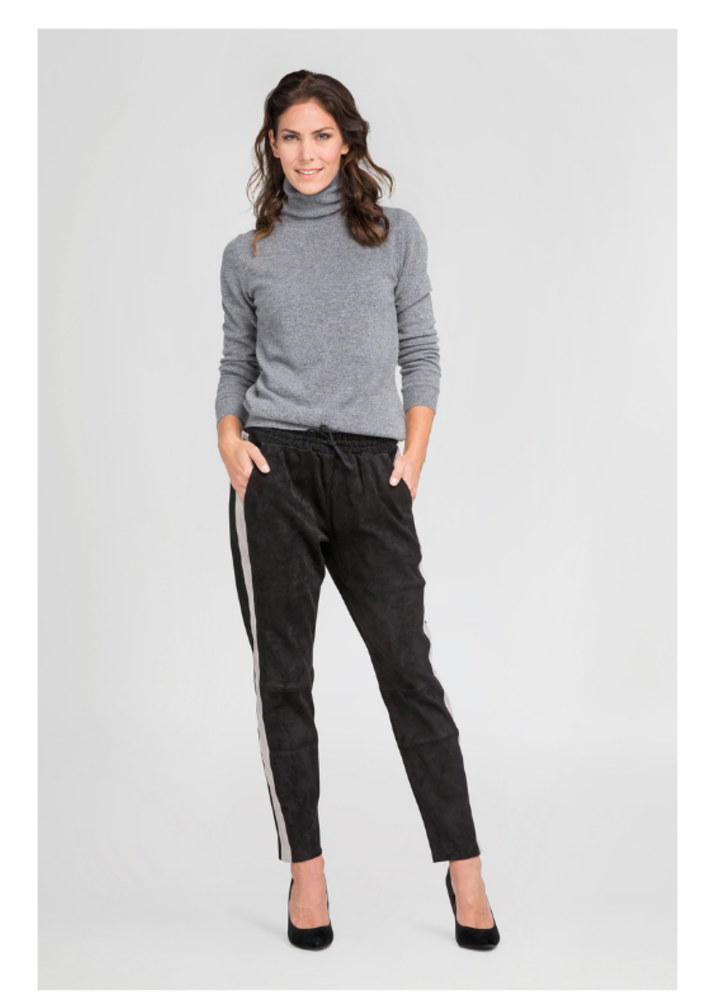 Schwarze Hose mit Seitenstreifen EVI