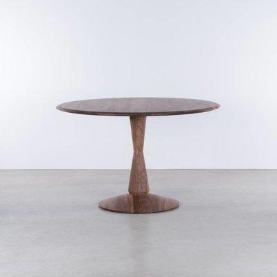 Sav & Økse Volante round table Walnut