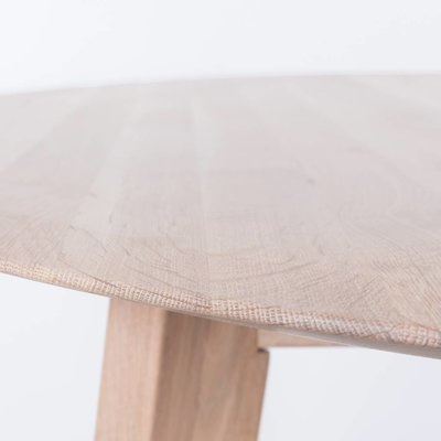 Sav & Okse Samt oval table Oak Whitewash