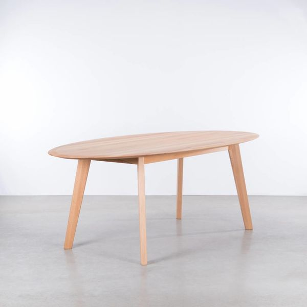 bSav & Okse Samt oval table Beech