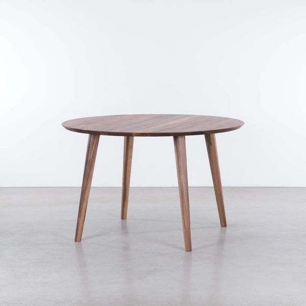 bSav & Økse Tomrer round table Walnut
