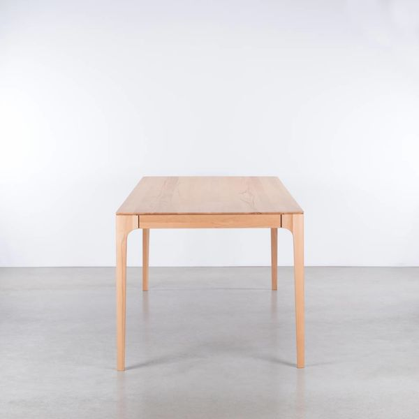 bSav & Okse Rikke Table Beech