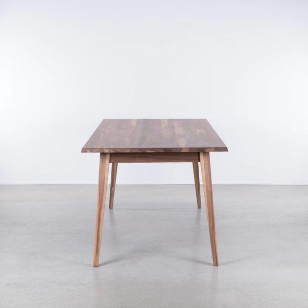 bSav & Okse Illum tafel Walnoot