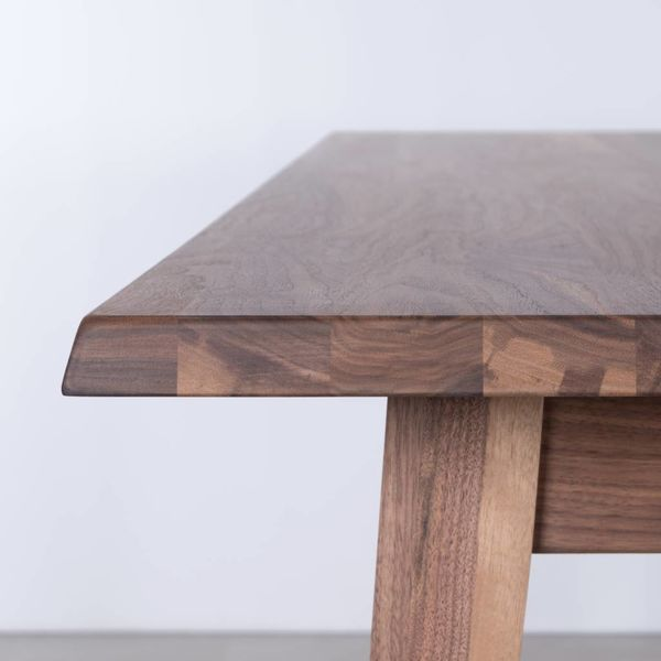 bSav & Økse Illum tafel Walnoot