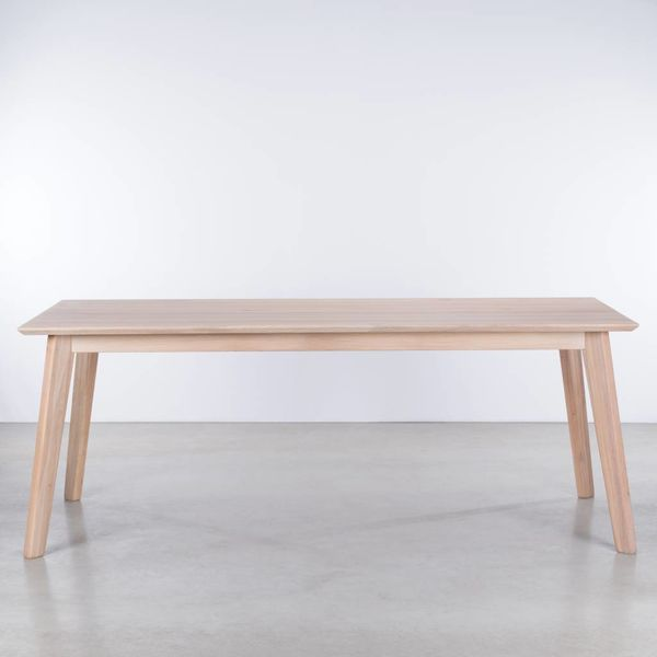 bSav & Okse Gunni table Oak Whitewash