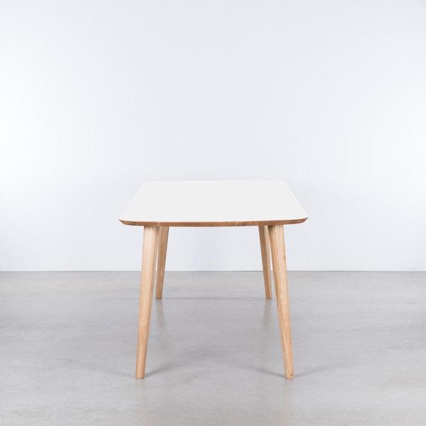 bSav & Økse Tomrer Table White Fenix top - Oak legs