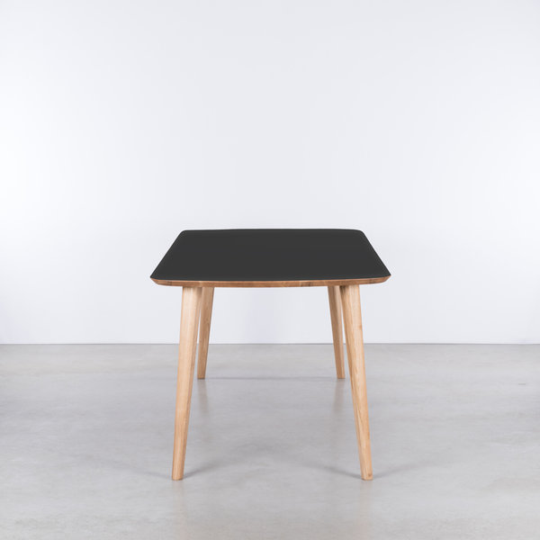 bSav & Okse Tomrer Table Black Fenix top - Oak legs