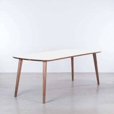 Sav & Økse Tomrer Table White Fenix top - Walnut legs