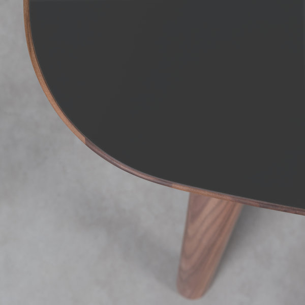bSav & Okse Tomrer Table Black Fenix top - Walnut legs