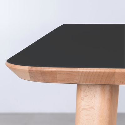 Sav & Okse Tomrer Table Black Fenix top - Beech legs