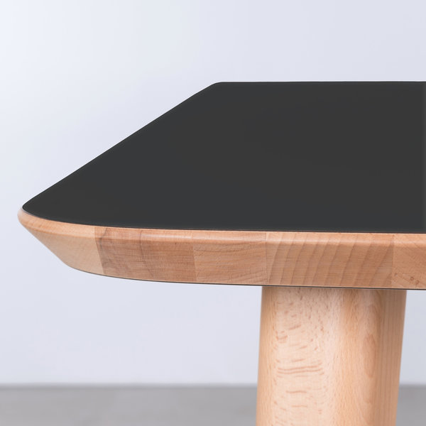 bSav & Økse Tomrer Table Black Fenix Top - Beech Legs