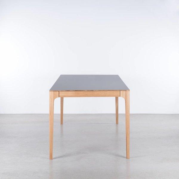 bSav & Økse Rikke Table Basalt Gray Fenix Leaf - Oak Legs