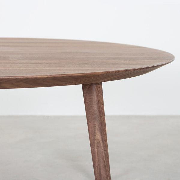 bSav & Okse Tomrer salontafel rond Walnoot met 4 poten