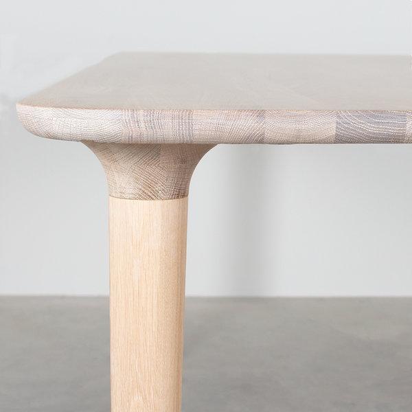 bSav & Økse Trumpet Table Oak Whitewash