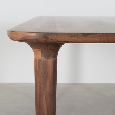 Sav & Okse Trumpet Table Walnut