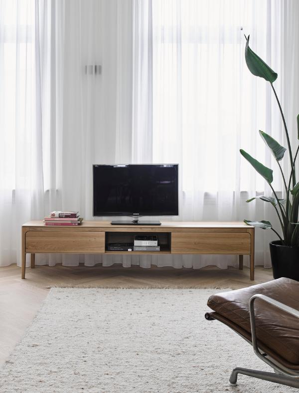 rikke TV cabinet