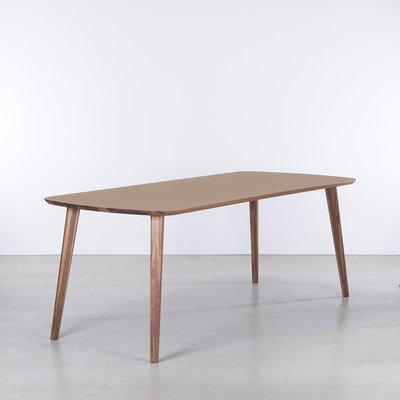 Sav & Økse Tomrer Table Clay gray Fenix top - Walnut legs
