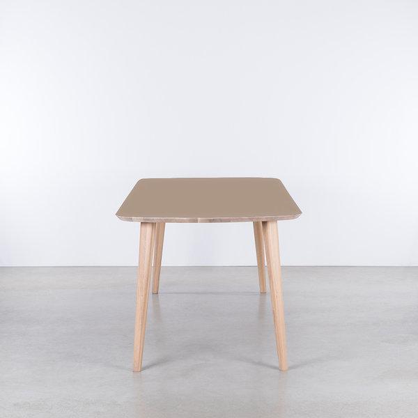 bSav & Økse Tomrer Table Clay gray Fenix top - Oak Whitewash legs