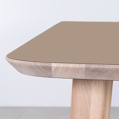Sav & Okse Tomrer Table Clay gray Fenix top - Oak Whitewash legs