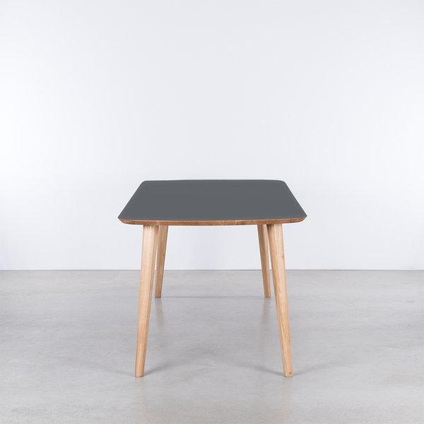 bSav & Økse Tomrer Table Basalt gray Fenix top - Oak legs