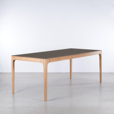 Tables with Fenix top
