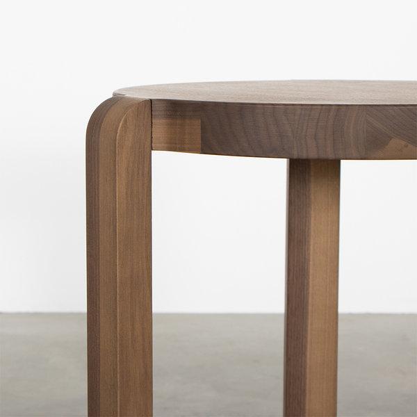 bSav & Økse Fraek Side table Walnut