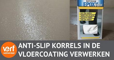 Hoe verwerk je Anti-Slip korrels in een vloercoating?