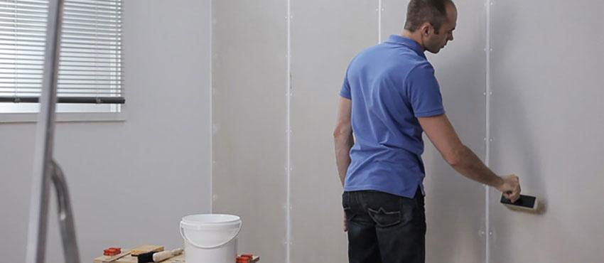Moet je een muur voorstrijken als je gaat schilderen?