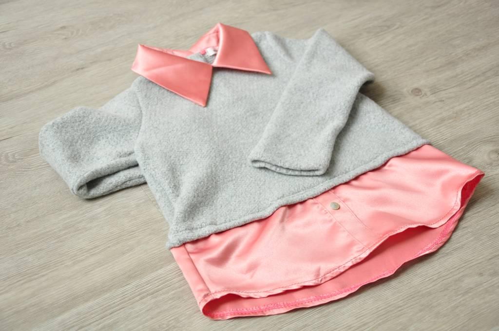 COCO - Sweater grijs met roze overhemd details