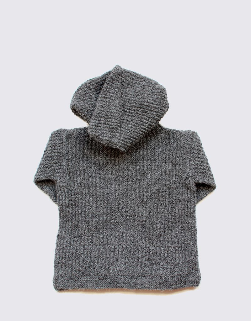 Alpaca hoodie in grey with wooden buttons