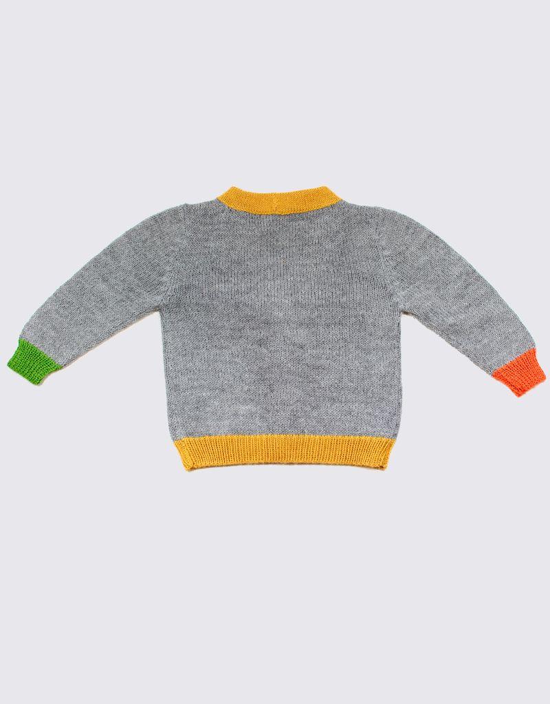 Alpaca vest met kleurrijke accenten en houten knopen