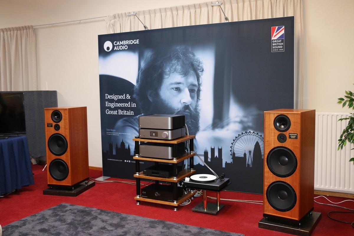 Cambridge Audio Edge met Spendor Classic 200