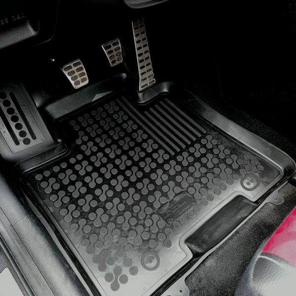 Fußmatten für Hyundai i20  2  ab  2014  Gummi Gummimatten passgenau