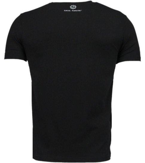 Local Fanatic Muscle Shark Rock - Digital Rhinestone T-shirt - Zwart