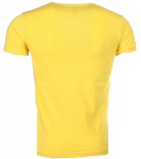 Local Fanatic Poppin Stewie - T-shirt - Geel