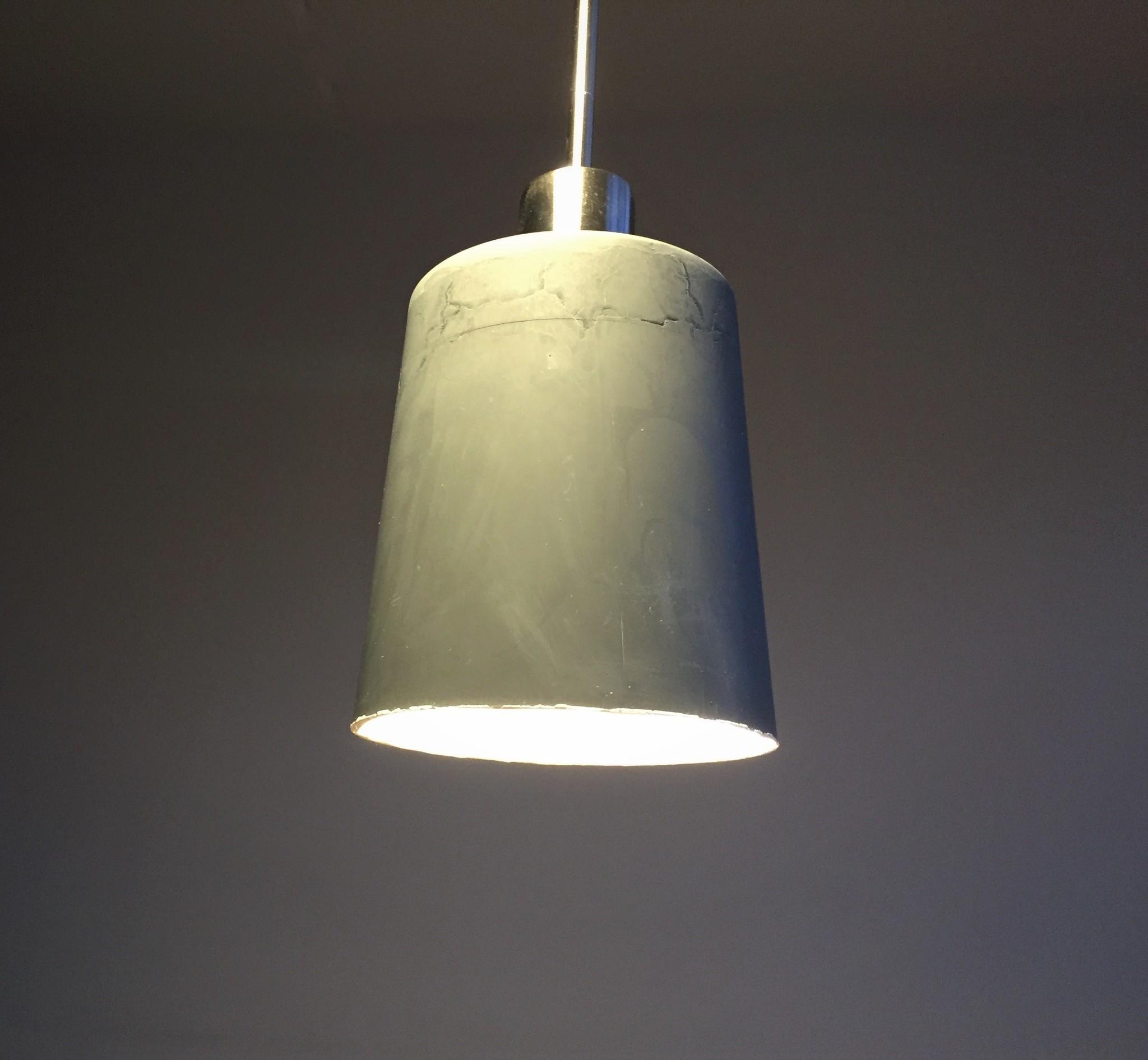 Lampe aus Acryl gegossen