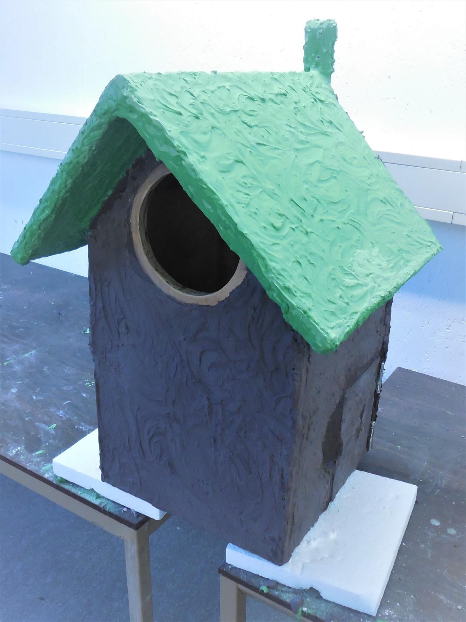 Vogelhuis bekleed met acrylhars