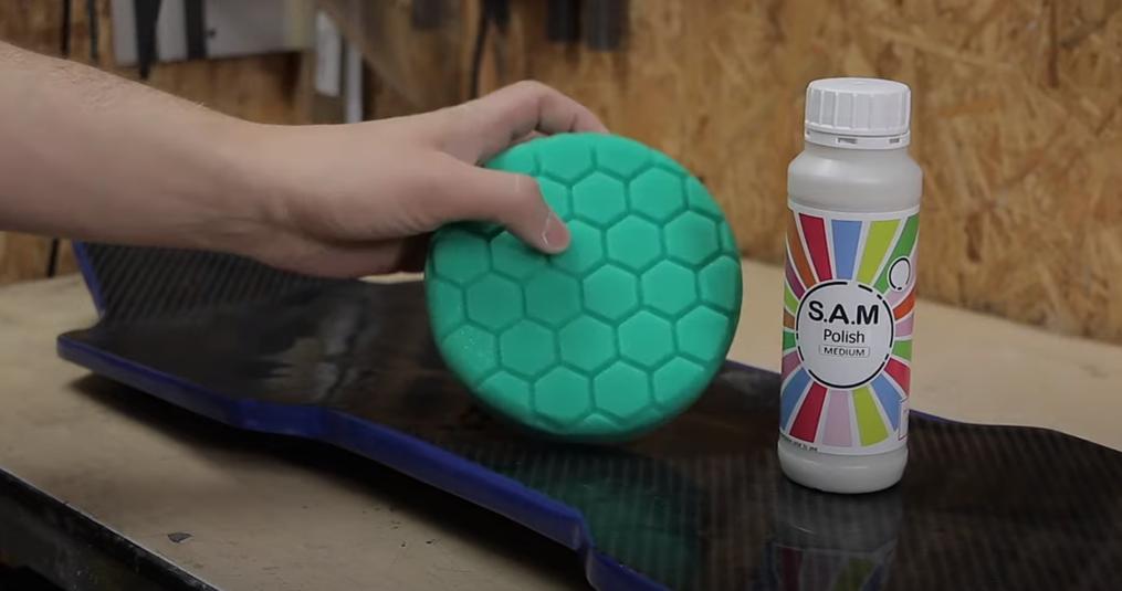 Zo maak je een Carbon Longboard Deck - Tank Track Skateboard