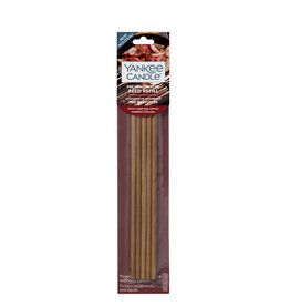 Yankee Candle - Holiday Hearth Pre-Fragranced Reeds