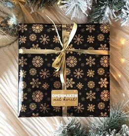 Kerst Cadeaupapier - Snowflakes, Black & Gold (Opgelet, door drukte neemt inpakken een dag langer in beslag.)