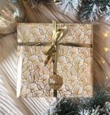 Kerst Cadeaupapier - Gold Leaves (Opgelet, door drukte neemt inpakken een dag langer in beslag.)
