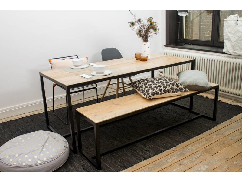 hedensted bank aus bauholz mit untergestell aus stahl pure wood design. Black Bedroom Furniture Sets. Home Design Ideas