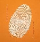 """Loop-Schal """"iD"""" mit weißem Fingerprint"""