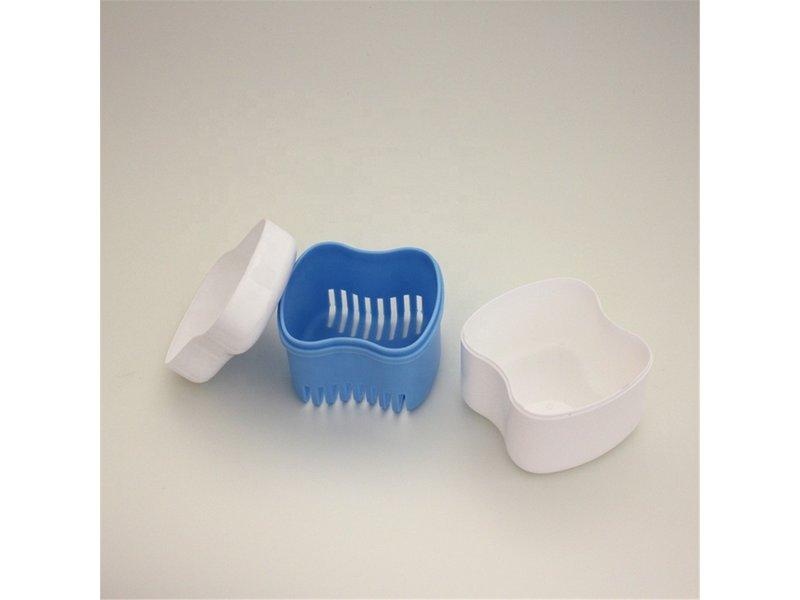 Opbergdoosje met zeefje, de perfecte  hygiëne voor uw tandprotheses