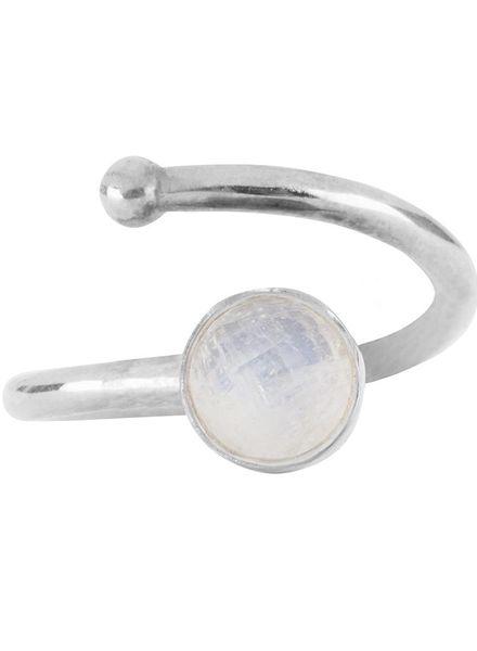 Marissa Eykenloof Zilveren ring met Regenboog maansteen kinderen