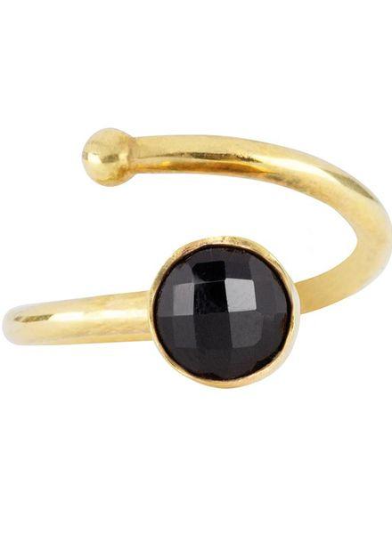 Marissa Eykenloof Gouden ring met Zwarte onyx kinderen