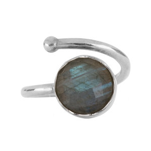 Marissa Eykenloof Silver ring Labradorite