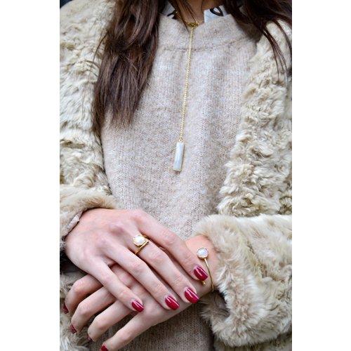 Marissa Eykenloof Gouden armband met Regenboog Maansteen